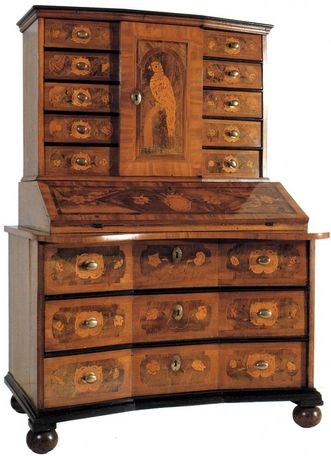 Writing desk by a Kirchheim cabinet maker, built for the palace in around 1730. Image: Stadtmuseum Kirchheim