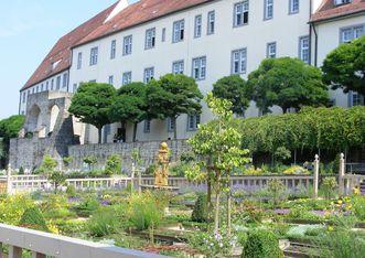 Ansicht von Schloss Leonberg mit Pomeranzengarten