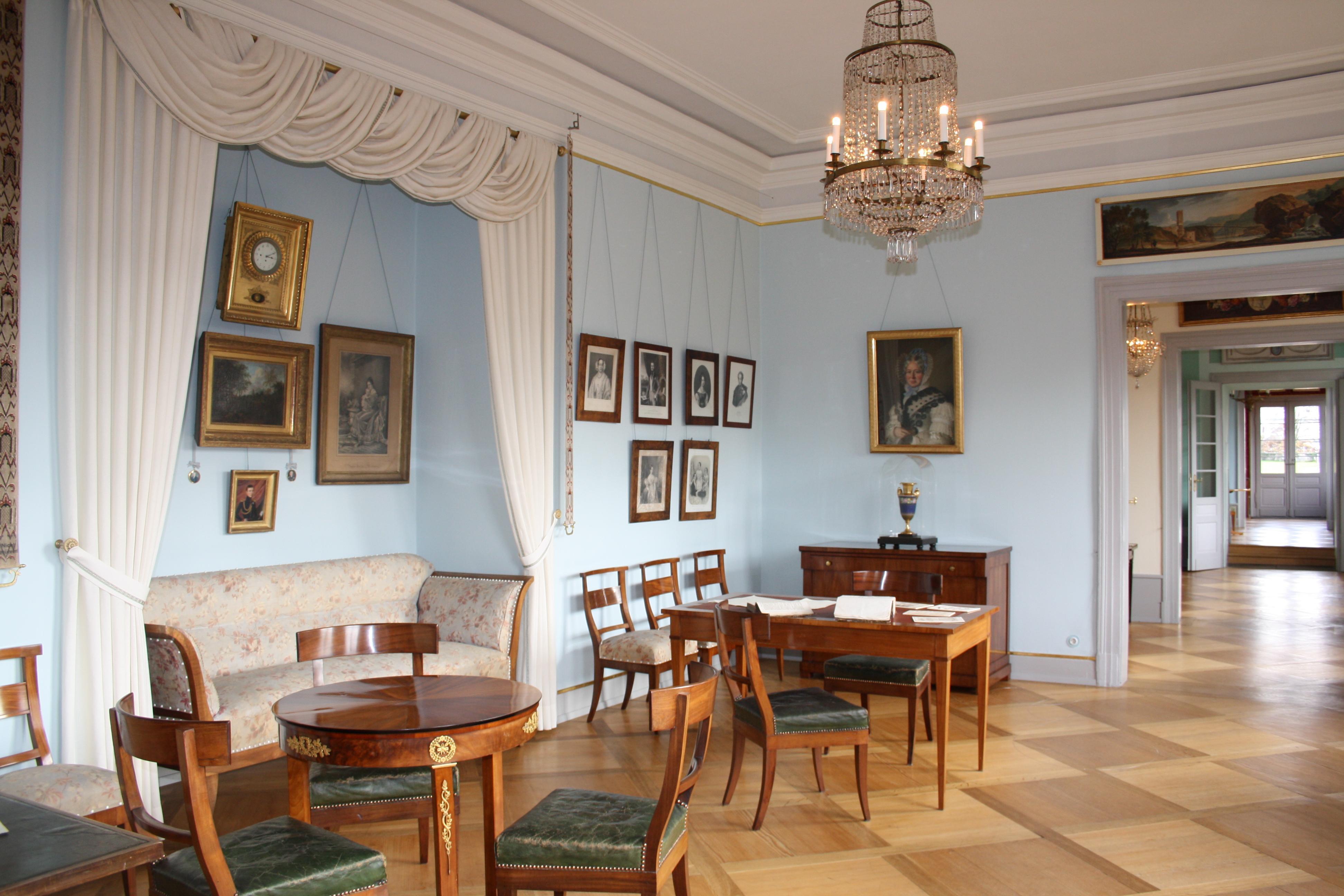 Das Wohnzimmer von Herzogin Franziska von Hohenheim in Schloss Kirchheim